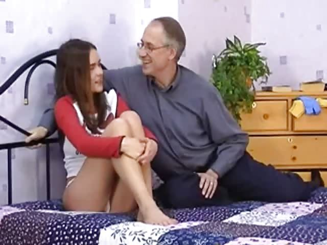 Alter Mann fickt Hotelmädchen