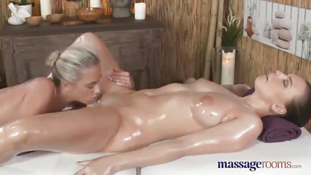 Порно массаж онлайн оргазм